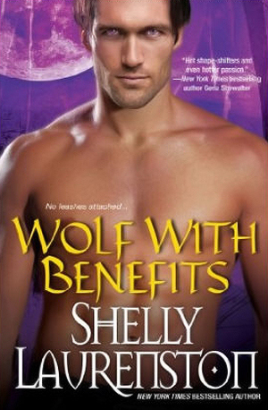 Wolf with Benefits (Pride, #8)  - Shelly Laurenston
