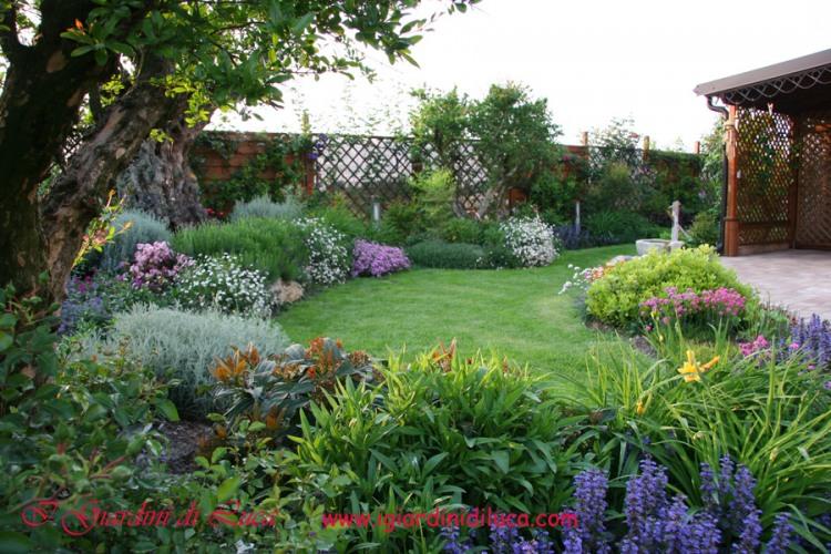 Amazing casa con giardino verona vicenza padova casa for Piccoli giardini ornamentali